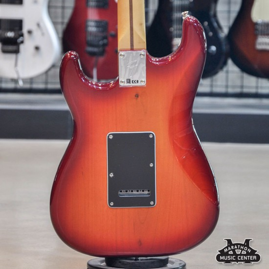 Fender Player Stratocaster HSS Plus Top